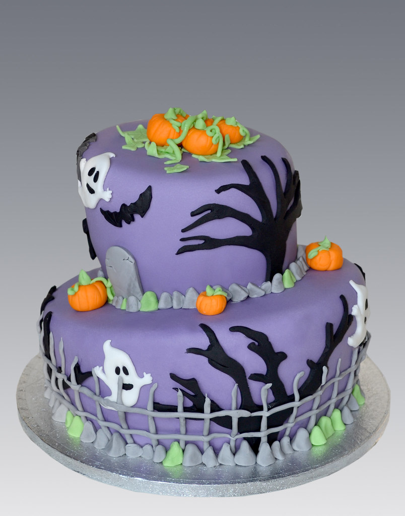 Fun Easy Halloween Cakes