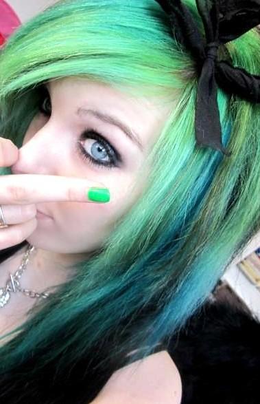 ira vampira scene girl queen germany green black emo hairs