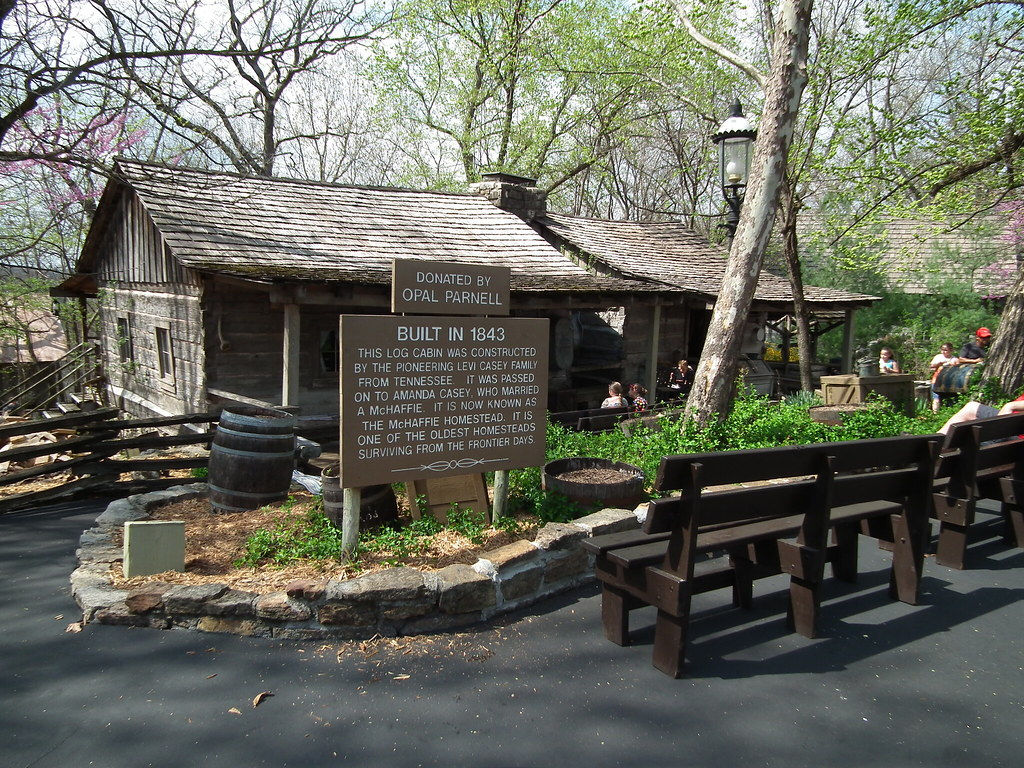 Silver Dollar City Branson Mo Very Neat Old Cabin