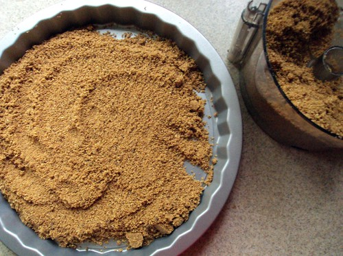graham cracker crust | by der.gugelhupf
