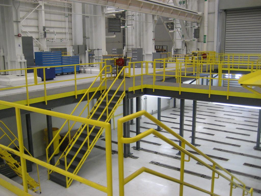 Work Platform With Stairs | Stair Access To Work Platform ...