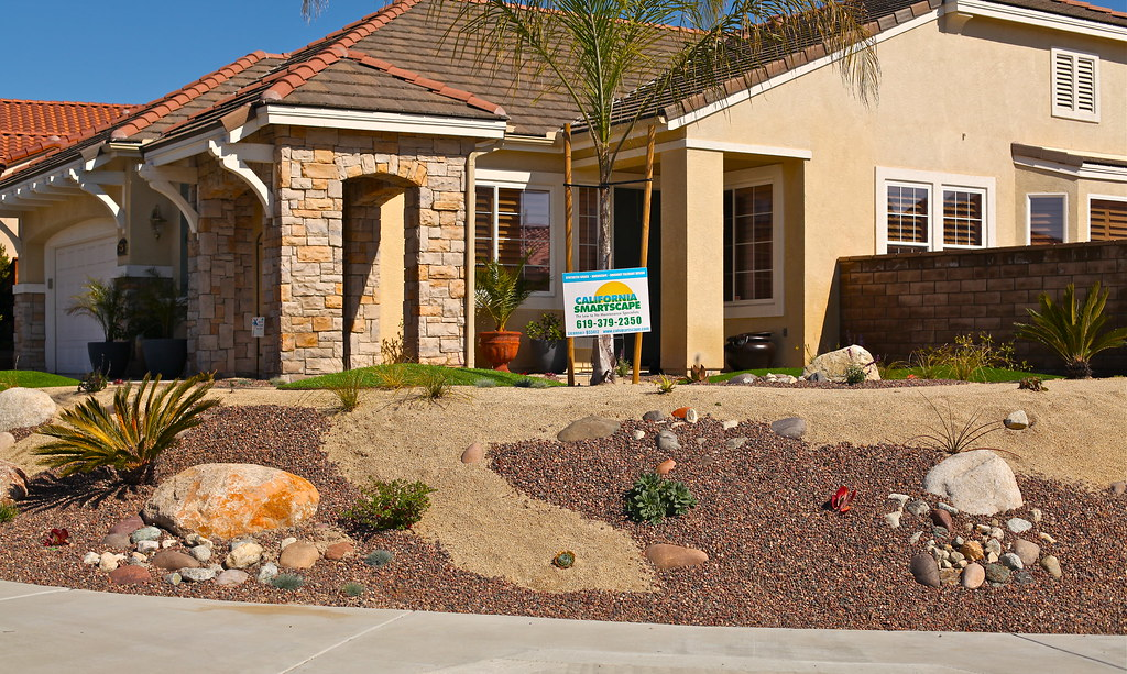 DG and Gravel Front Yard Landscaping California
