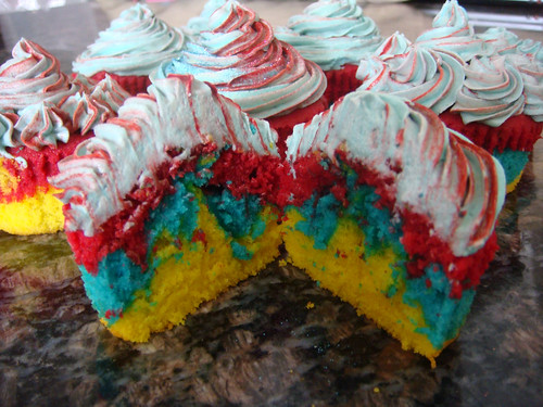 Rainbow cupcakes | by Couture Cakes & Dreams