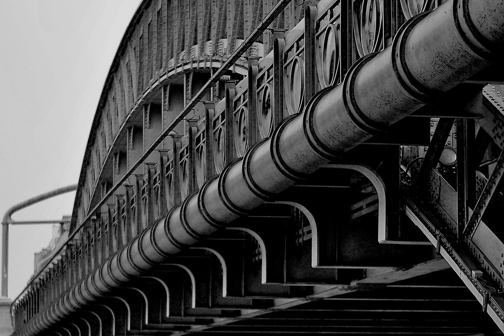 Architecture industrielle paris pont ferroviaire entre for Architecture industrielle
