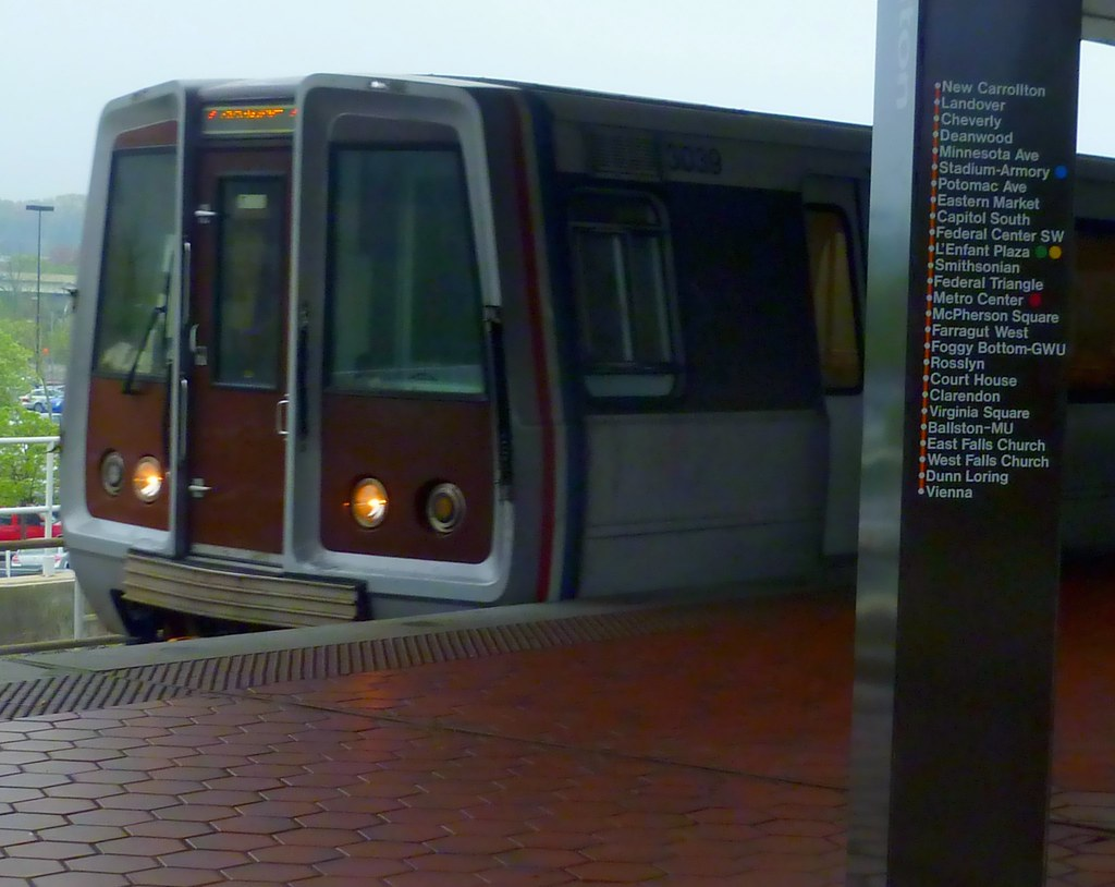 Metro Train Dc Map.Dc Metro Orange Line Train With Map T55z Flickr