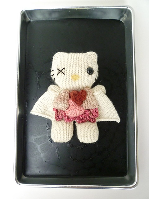 Knitting Games Hello Kitty : Knitted hello kitty dissection flickr photo sharing