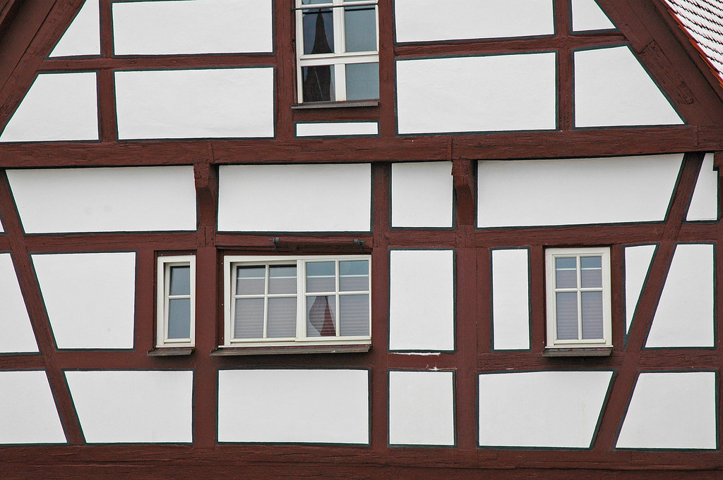 White house with brown trim n rdlingen germany - Brown house with white trim ...