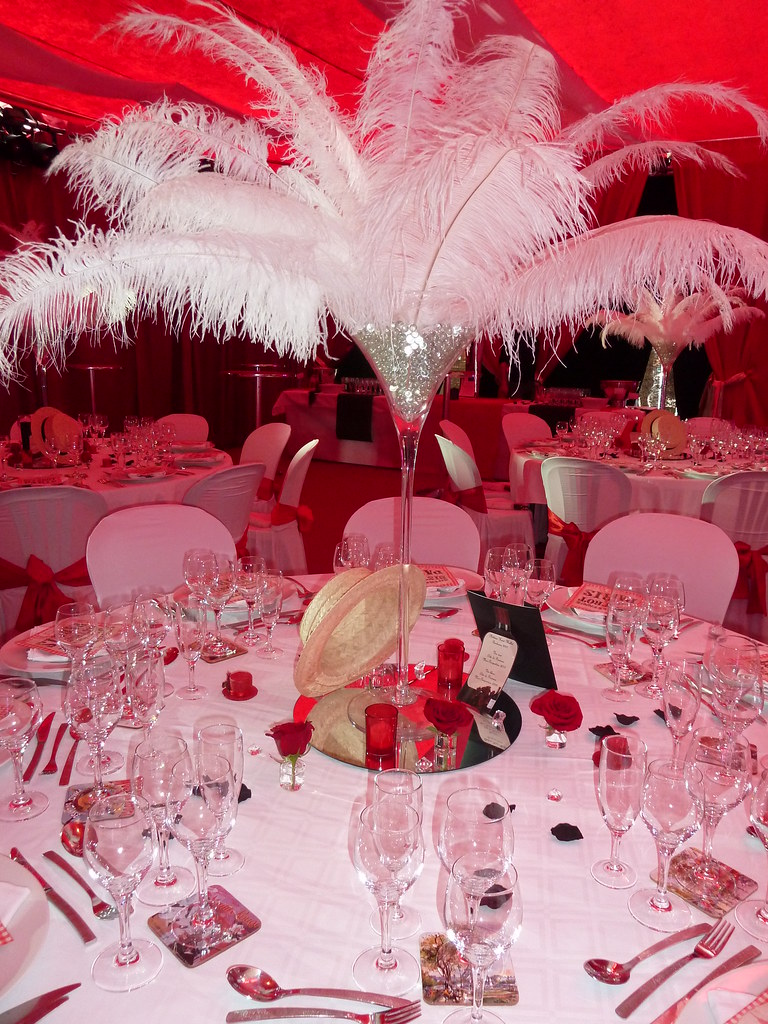 Decoration Salle Theme Cabaret Centre De Table Plume Deco Flickr