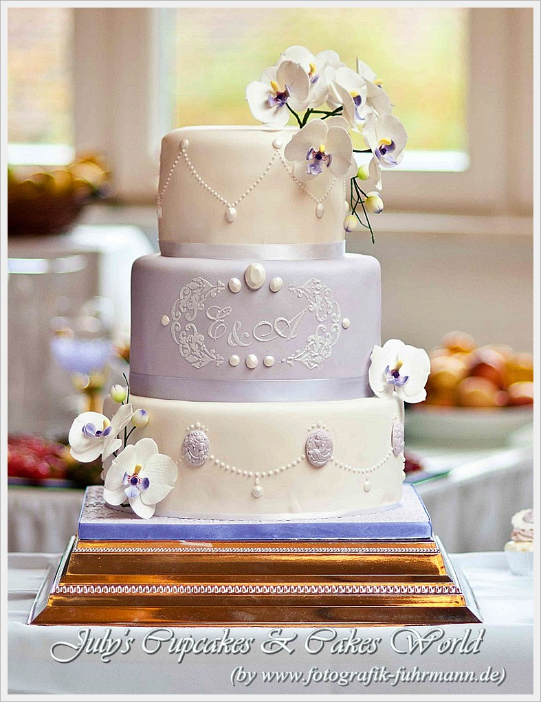 Romantic Wedding Cake with Cameo and Moth Orchid | Julia Baerwald ...