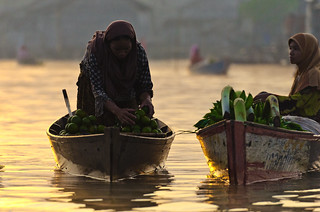 sunrise, Pasar Lokbaintan floating market | by green.pit