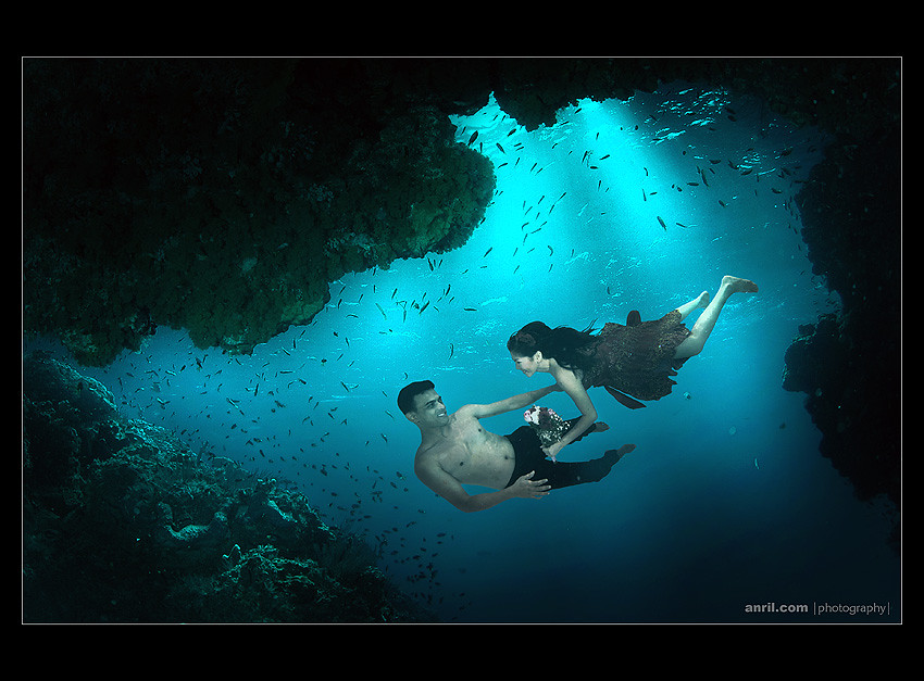 underwater pre wedding for fakhiz and ingrid from malaysia