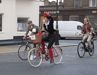 Tweed Run NovC 2011 (25) | by Funny Cyclist