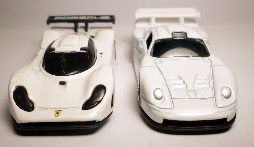 porsche 911 gt1 s front view of both porsche 911 gt1. Black Bedroom Furniture Sets. Home Design Ideas