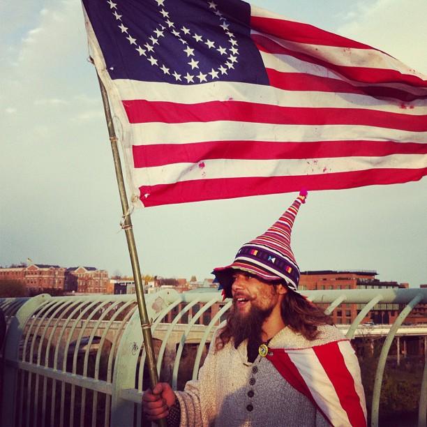 Hippie star at Key Bridge protest