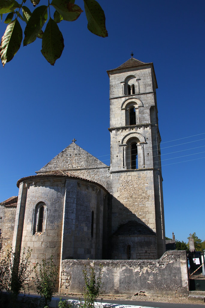 Eglise saint georges de montagne eglise romane saint for Eglise romane exterieur
