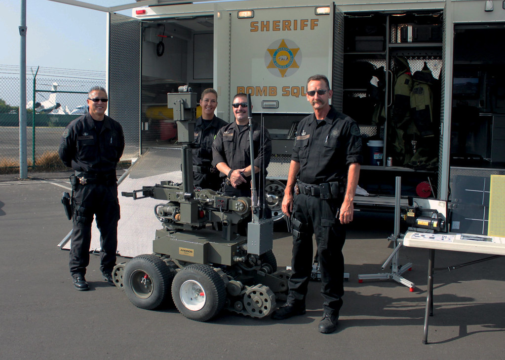 los angeles county sheriff bomb squad pacomfbi