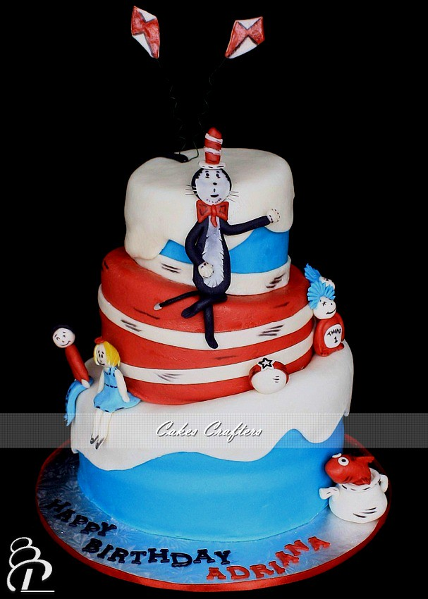 cat in the hat cake cat in the hat cake three tiers dr seuss topsy turvy cat 2517