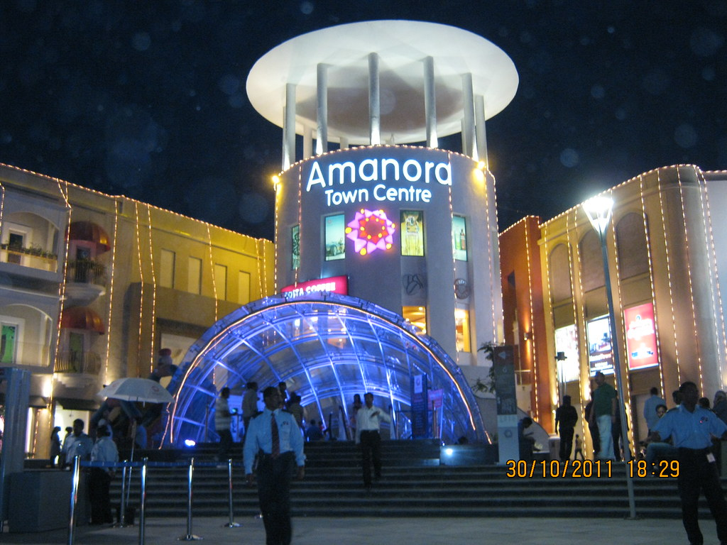 West Blok Of Amanora Town Centre Indian Fashion And Acce