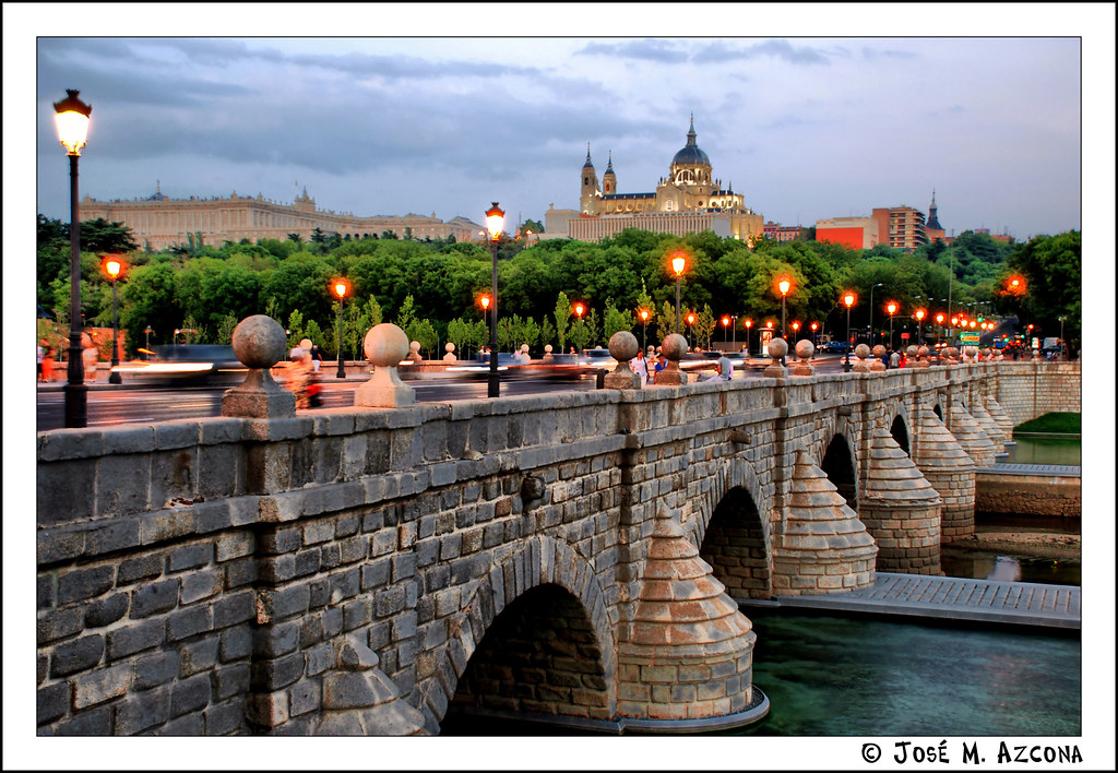 Madrid puente de segovia view on black el puente de - Montadores de pladur en madrid ...