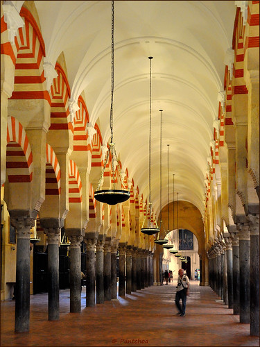 Córdoba : La Mezquita : Forest of pillars  6/8 | by Pantchoa