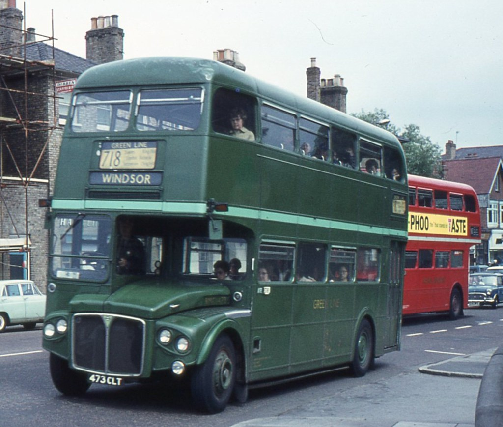 London Country Bus Services Ltd . RMC1473 473CLT . High St ...