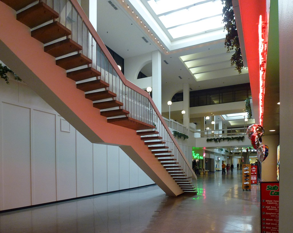 ... NY Main Place Mall Staircase | By Army.arch