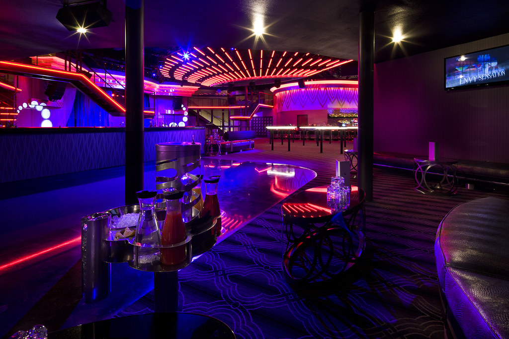 Custom bar and lounge design interior nightclub design for Lounge area decor ideas