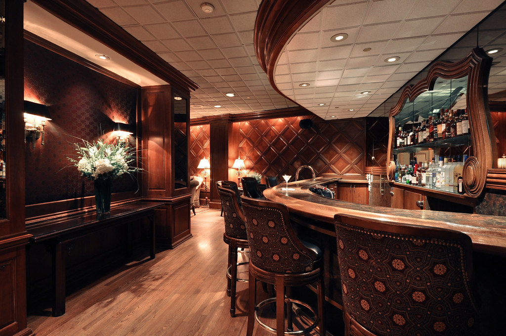 Whitehall hotel chicago lounge bar www for Small boutique hotels chicago