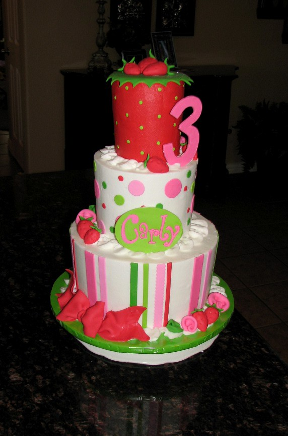 Strawberry Shortcake Character Cake Pan