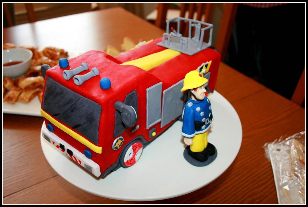 Make Fireman Sam Fire Engine Cake