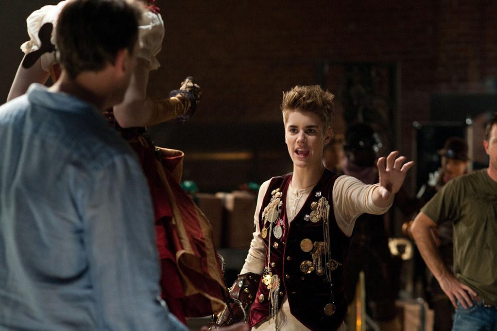 ARTHUR CHRISTMAS 3D music video Justin Bieber \