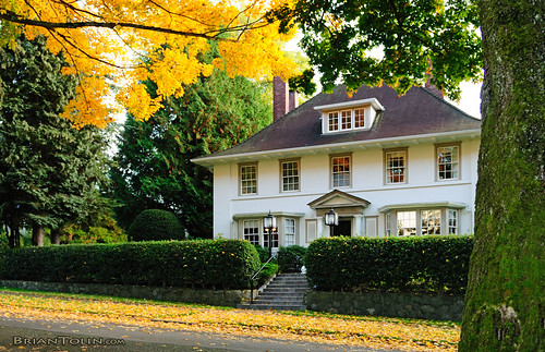 House of autumn a very nice house in autumn in vancouver for Very nice mansions