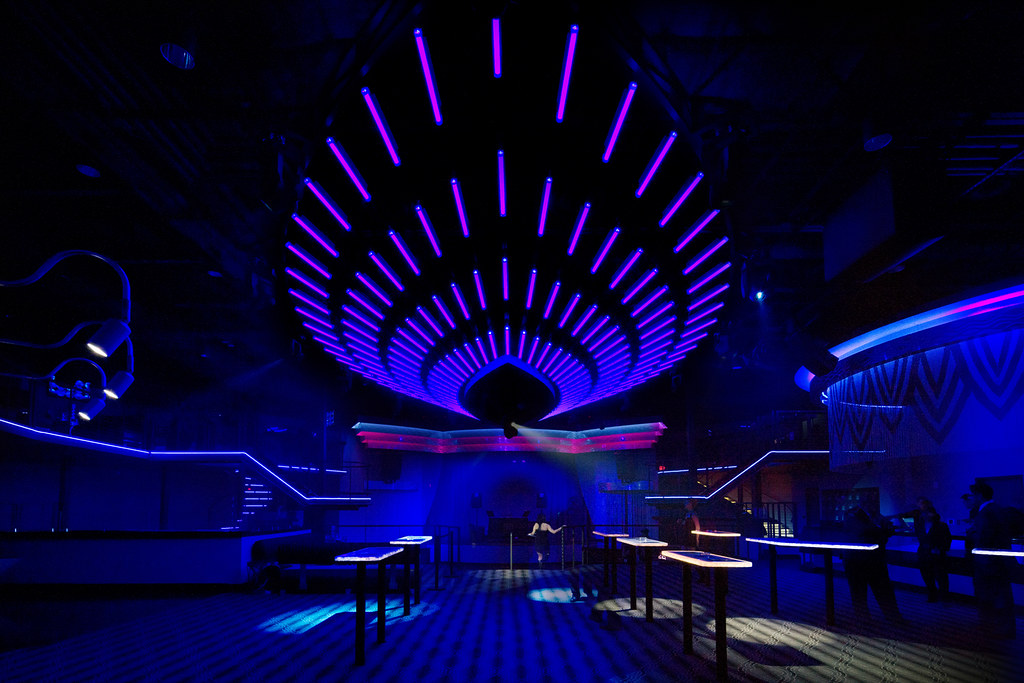 Custom interior nightclub design programmable led lighti for Night light design