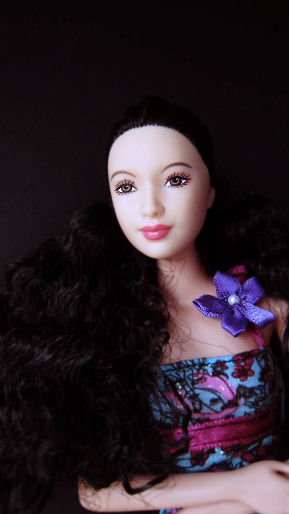 2005 Princess Of Korean Court Barbie Dolls Of The World