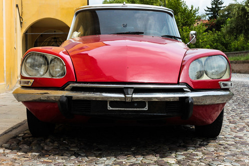 Red beauty - Citroën DS | by RTsubin