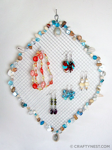 wire mesh jewelry holder with beads | by craftynest