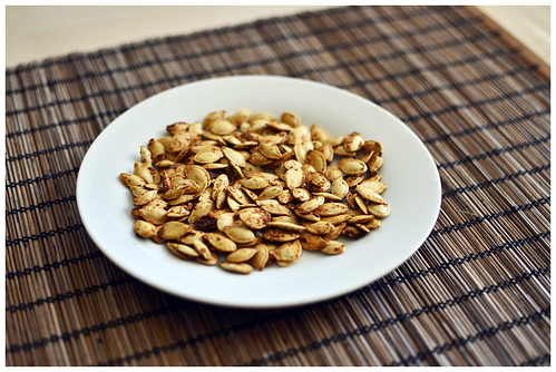 roasted angry pumpkin seeds | by -issata