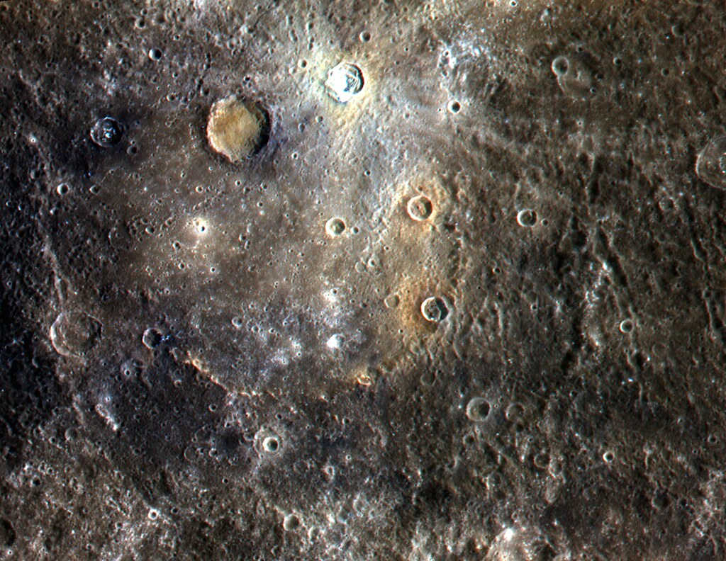 color image of mercury from nasa 39 s messenger satellite. Black Bedroom Furniture Sets. Home Design Ideas