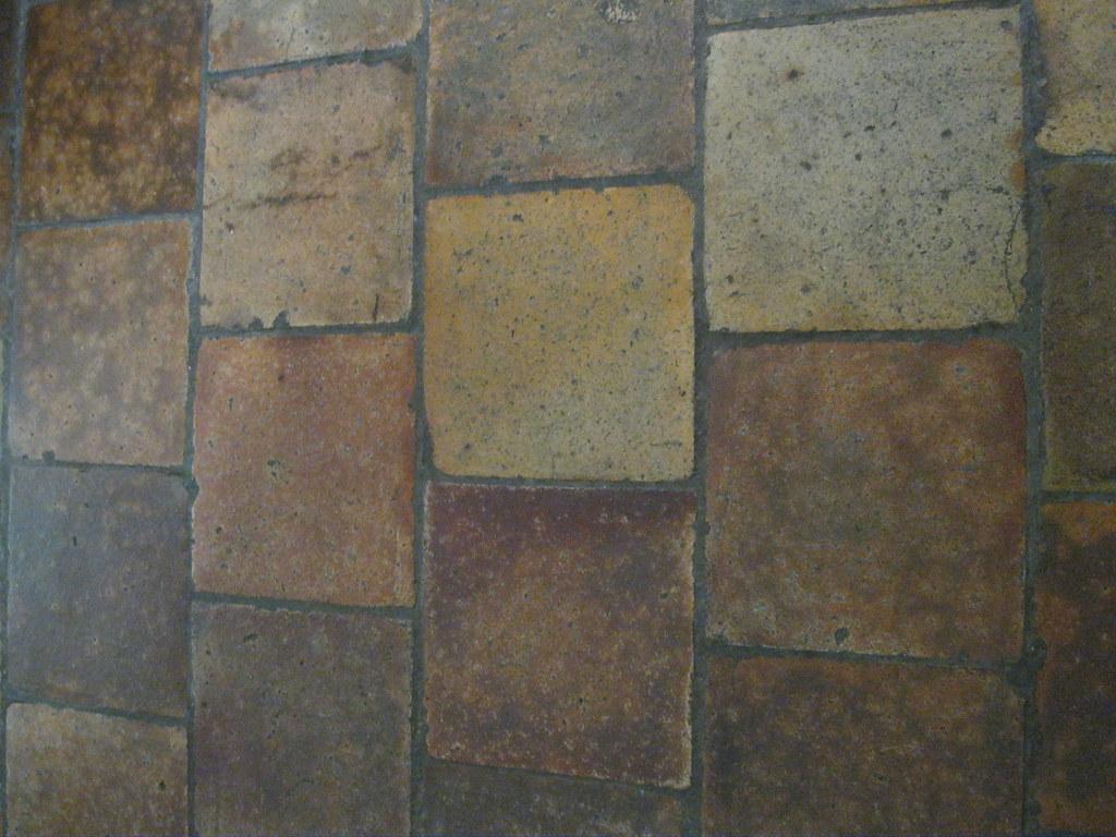 Floor tiles in kitchen
