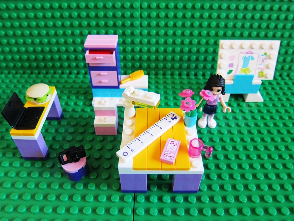 Lego Friends Fashion Design Studio