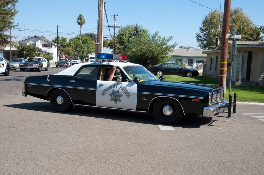chp 1977 dodge monaco code 3 parade passed a california