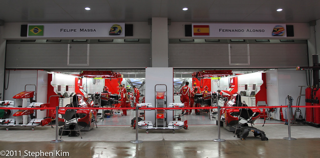 ferrari garage after free practice on friday 2011 f1 kore