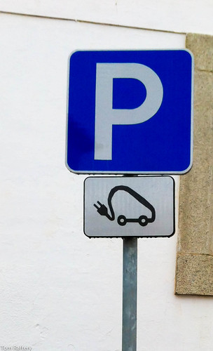 Electric vehicle parking place | by Tom Raftery