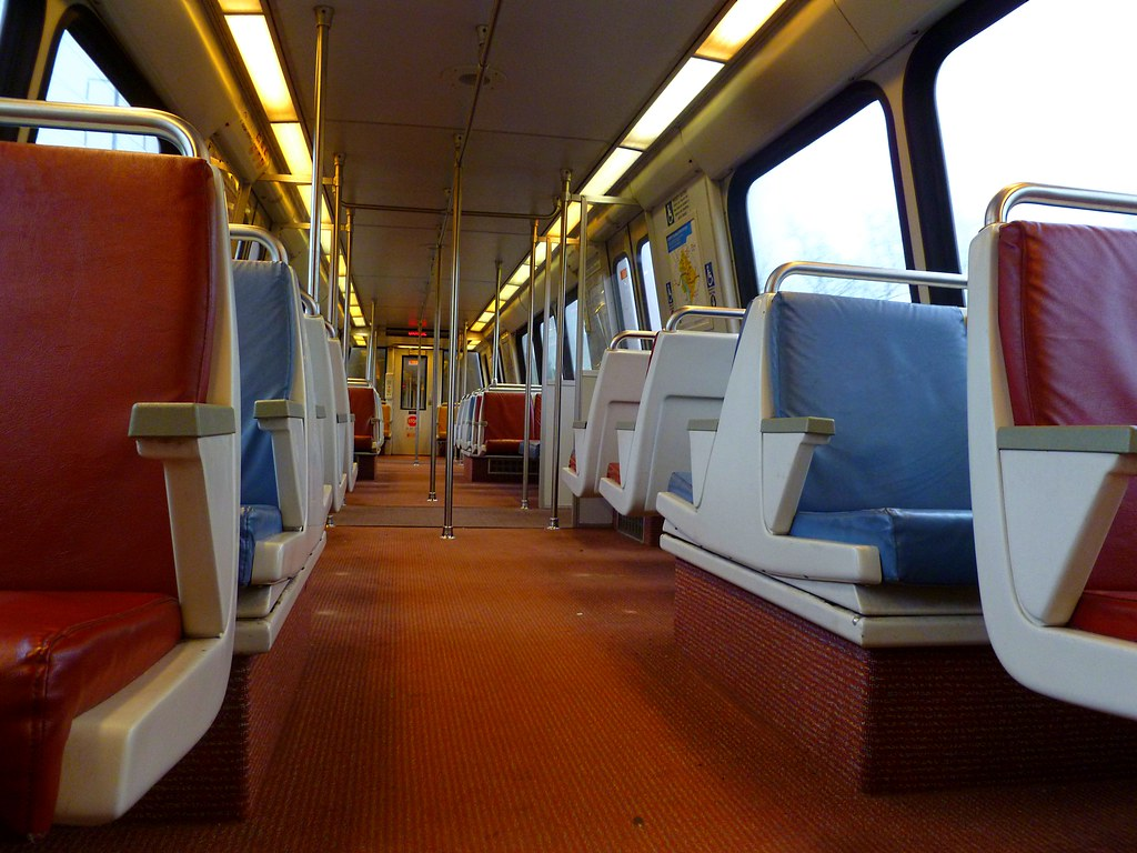 dc metro train interior most of the metro trains i rode on flickr. Black Bedroom Furniture Sets. Home Design Ideas