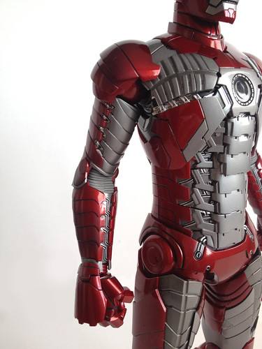Hot Toys Iron Man mark V arm details | The figure's very ...