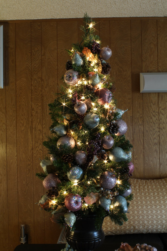 4 Foot Jeweled Fruit Themed Christmas Tree | A tree with sub… | Flickr