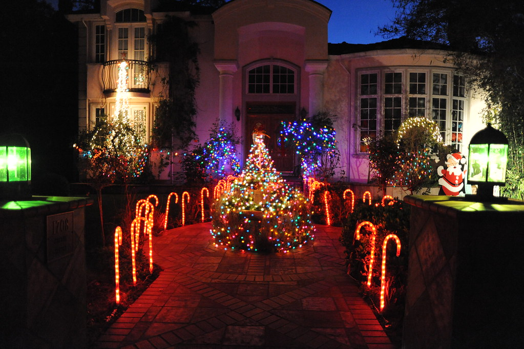 ... Palo Alto Christmas Tree Lane   by x9x2x - Palo Alto Christmas Tree Lane X9x2x Flickr