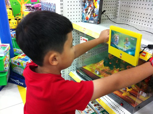 LEGO @ Toys R Us VivoCity | by coolinsights
