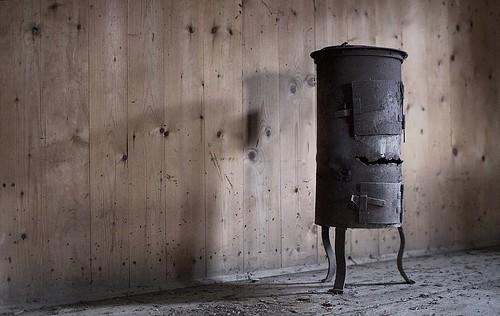 alter kleiner ofen wolf ulf wulfrolf flickr. Black Bedroom Furniture Sets. Home Design Ideas