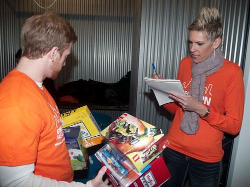 "Chicago YPNIllinois YPN ""Border-to-Border Holiday Give Back Week"" toy drive1 